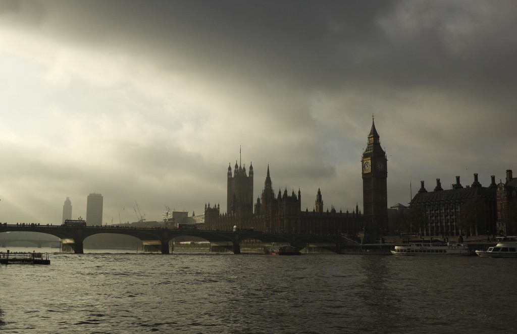 Turneresque light on the Thames Nov 2014 Photo: Dominic Minghella